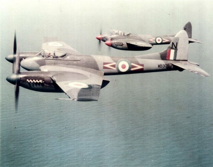 A pair of 80 Squadron Hornet F3s out of Hong Kong and over the South China Sea in the 1950s.