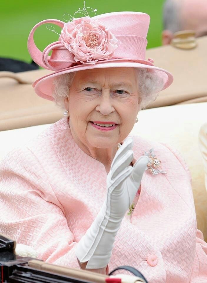 Loving Queen Elizabeth II in pink, 2013.