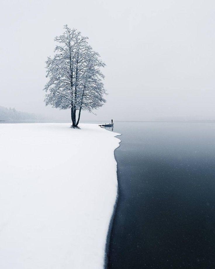 The moment of the first snow ~ Järvenpää, Finland. Photo by @mikkolagerstedt