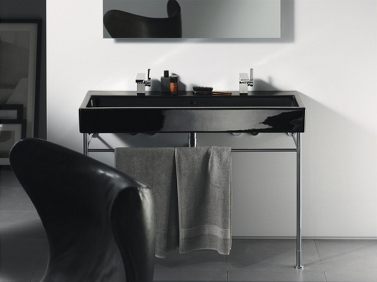 Photo Gallery For Photographers Duravit Vero Washbasin with Tap Holes x Duravit Vero is characterised by its clear lines The washbasin range concentrates exclusively on the