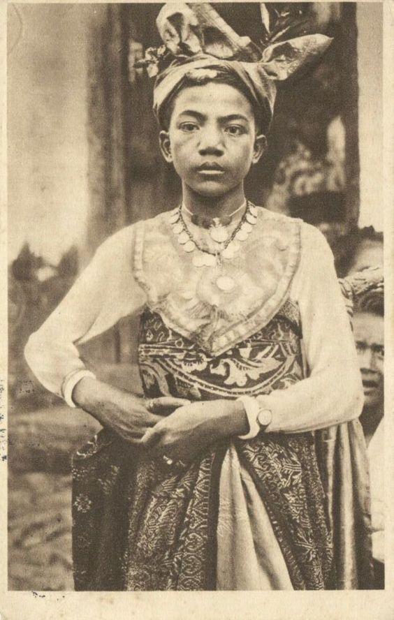 Dancer boy, Bali. Date unknown.