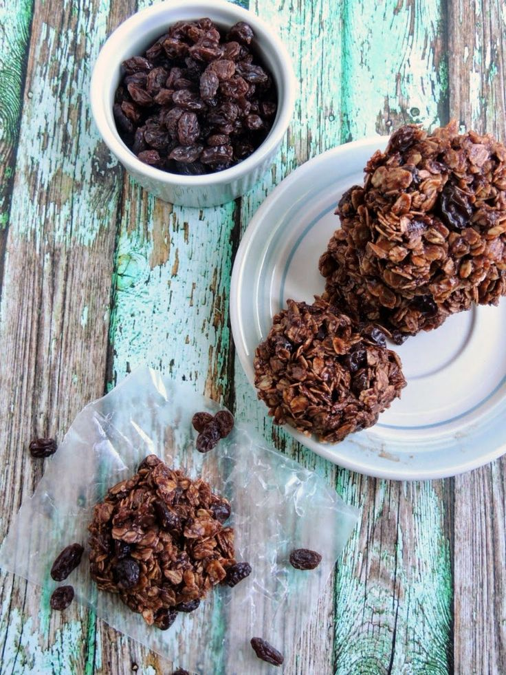 Chocolate Covered Raisin No-Bake Cookies- these chocolaty cookies are lower in sugar thanks to the addition of raisins!