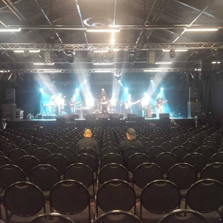 Soundcheck in Jo'burg #bonnietyler 29/08/2013  Thanks to Matt and Chris