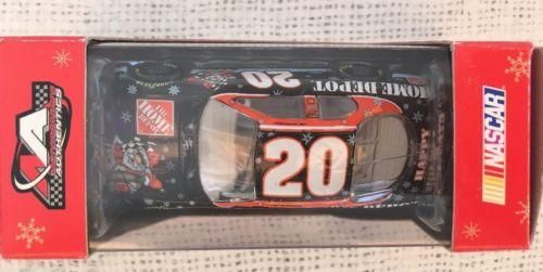 Pit Stop Tony Stewart #20 Home Depot Sam Bass Holiday 2007 Monte Carlo SS 1/64