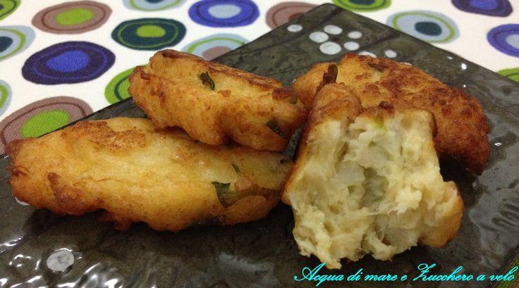 Come resistere a delle deliziose crespelle fritte? Oggi le prepariamo con il cavolfiore! Un antipasto semplice, gustoso ed economico! ;)