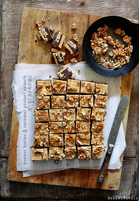 Peanut Butter and Caramel Crunch Fudge #desserts #dessertrecipes #yummy #delicious #food #sweet