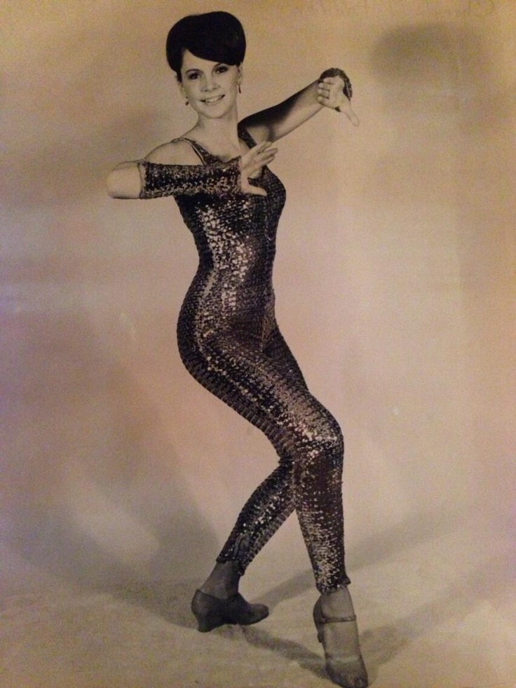 this is gates mcfadden at 16!  (Twitter / gates_mcfadden: Ok can anyone name this dancer? ...)