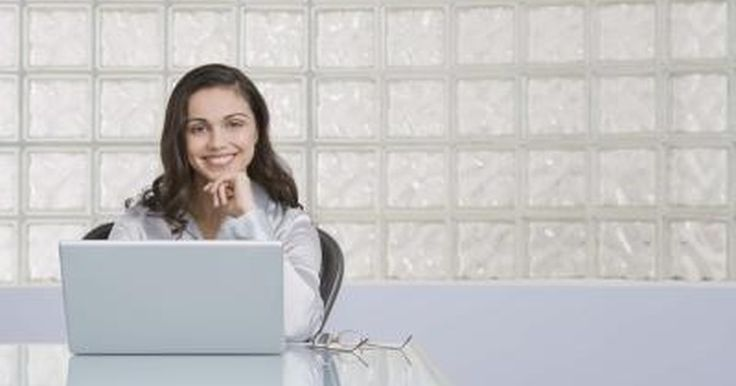 Cómo Crear una Impresora Adobe PDF. Los usuarios de computadores con sistemas operativos Windows y Mac, pueden intercambiar documentos en formato PDF. Adobe Acrobat, ya sea en su versión Estándar o Profesional, es la aplicación que permite a sus usuarios crear y modificar documentos de PDF. Una de las herramientas del programa, permite instalar una impresora virtual para simplificar ...