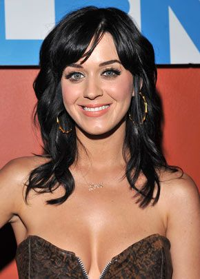 Katy Perry is gorgeous when shes not wearing all that weird stuff!