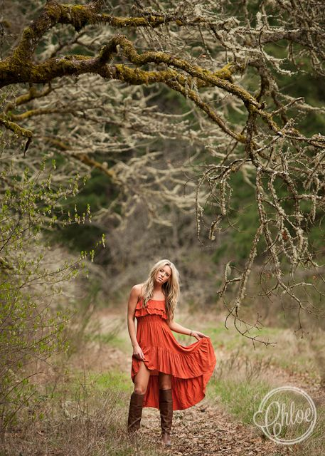 senior girl photography posing ideas #photography | Chloe Ramirez
