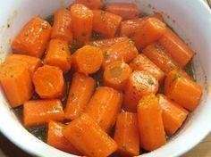 Worteltjes met honing en mosterd is een lekker recept, Heerlijk zoete worteltjes met een lekkere bite.