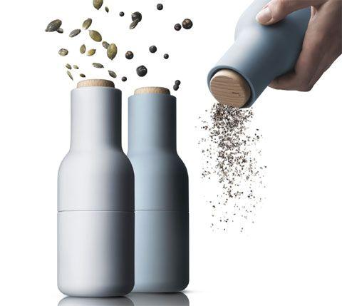 De Menu 'Bottle Grinder' molens zijn meer dan peper- en zout molens, het zijn kruidenmolens. Je kan ze dus ook gebruiken om andere, grotere kruiden op een leuke manier te vermalen.