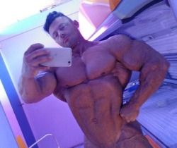 """mattiavecchiofficalifbbpro: """"Pre-tan before competition week, I barely fit into the tanning booth ☺️ """""""