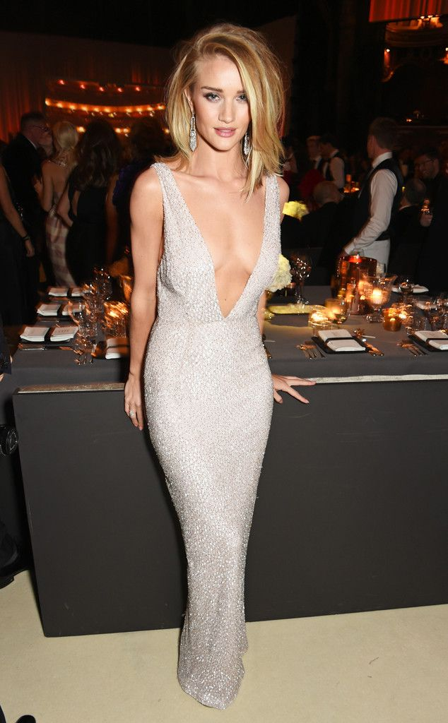 Rosie Huntington-Whiteley from The Big Picture: Today's Hot Pics  The supermodel shuts it down at the British Fashion Awards in London. Insane!!!!