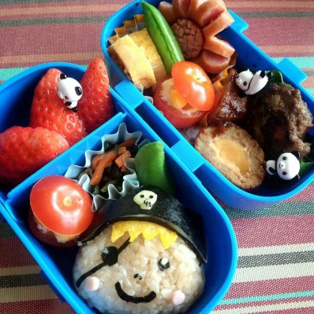息子のリクエストにより 海賊キャプテンのオニギリ♪ ミニトマトくりぬいて、ポテサラ詰め込み宝箱風に♪ - 16件のもぐもぐ - 幼稚園お弁当(年少)♪ by TSUKI