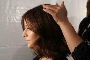 Prenditi cura dei tuoi capelli con gli impacchi naturali, una soluzione efficace ed economica per mantenerli sani e lucenti! Sono ideali per renderli morbidi e forti, per schiarirli, per nutrirli quando sono secchi e non solo. Ecco tutti gli impacchi da provare in base alla tipologia di capello.