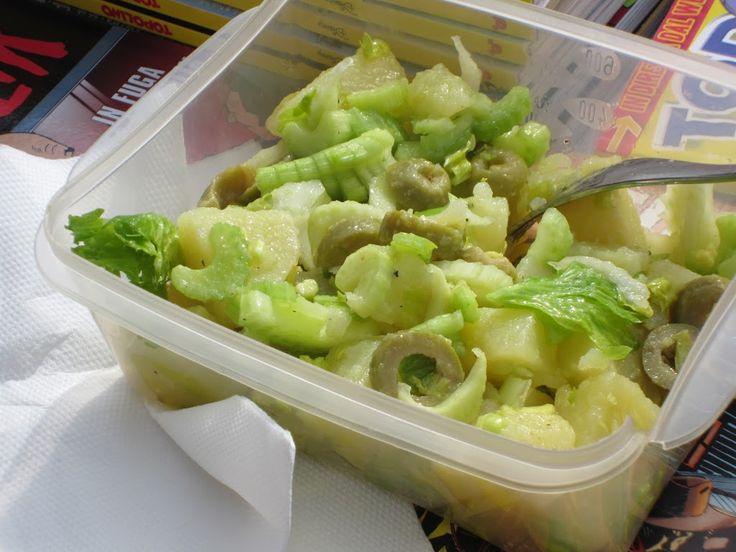 Patate sedano e olive: leggera con gusto!
