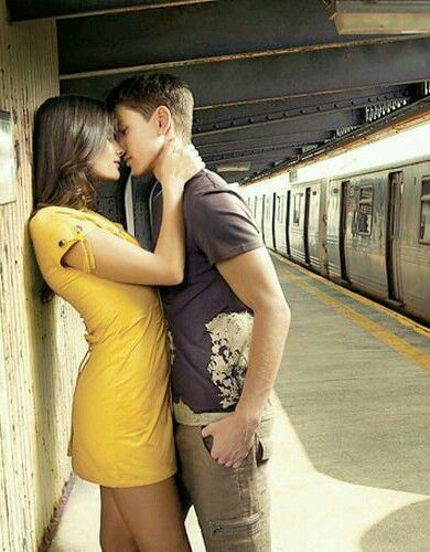 Hot Young Couple Kissing In The Subway Couples Love
