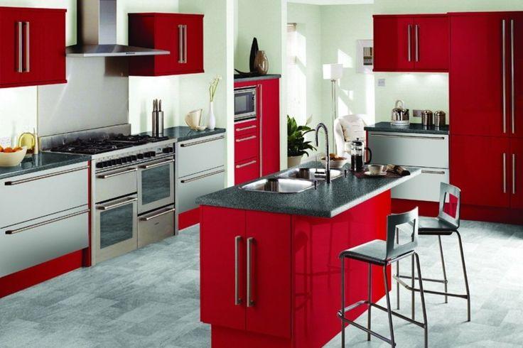 Cuisine avec îlot central en rouge et gris