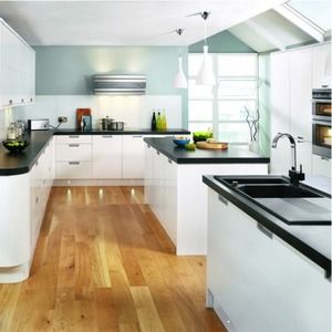 Inverness Decor End Worktop. Black top gloss white doors. Wickes.