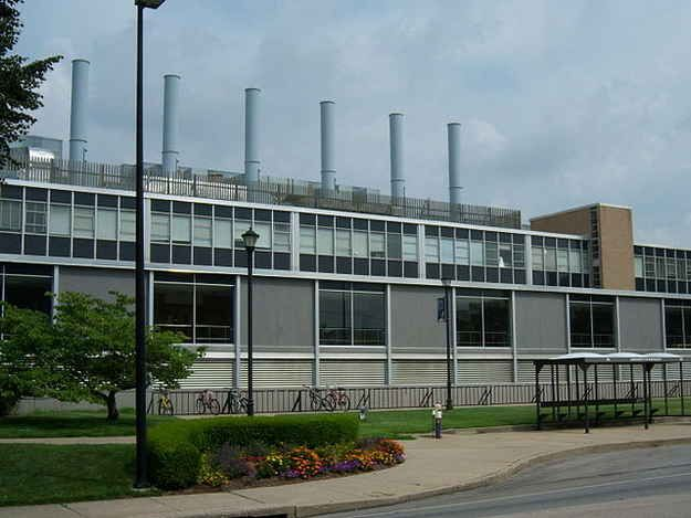 You're aware that the Chemistry-Physics building looks like a steamboat. And is an eyesore compared to the other beautiful brick buildings on campus. | 41 Signs You Went To The University Of Kentucky