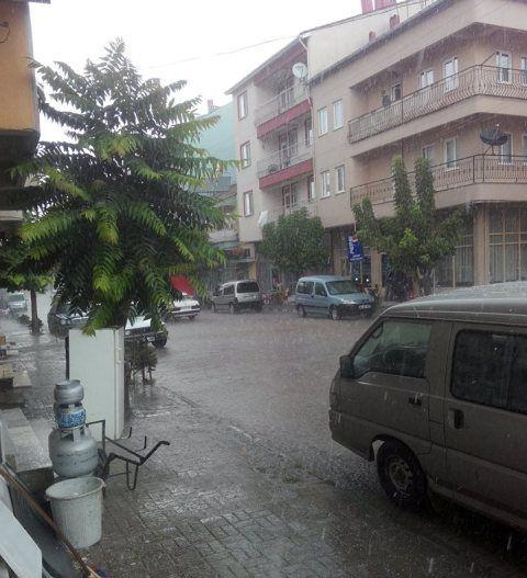 Hocalar, yağmura teslim oldu