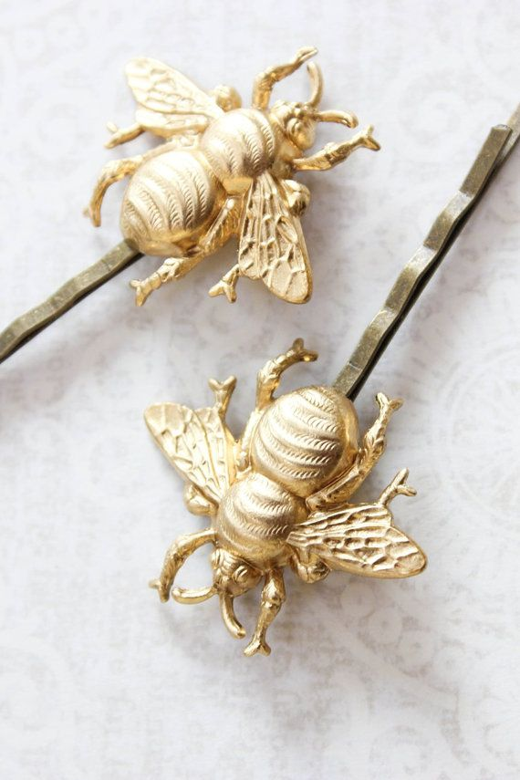 This is a beautiful pair of gold brass bee bobby pins! @apocketofposies