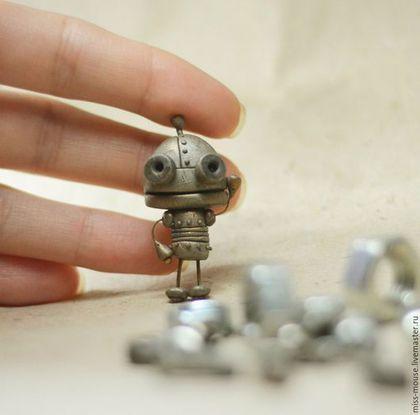 "Polymer clay miniature figurine / Броши ручной работы. Малыш Робот. Вера ""Miss Mouse"". Ярмарка Мастеров. Миниатюра, забавная"