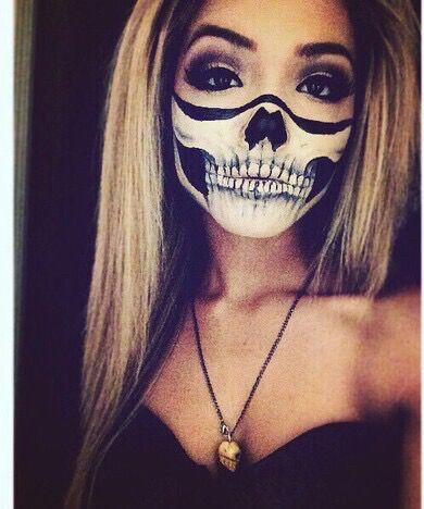 Afbeelding via We Heart It https://weheartit.com/entry/143499703/via/16742844 #blonde #girl #Halloween #makeup #scary #skeleton #skull