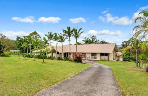 Development Land For Sale In Gold Coast QLD. This home and its beautiful 7 acre land is up for sale and is looking for its new owners to buy straight away and take care of its beautifully maintained land! To find more Development Land or commercial real estate in Gold Coast QLD visit https://www.commercialproperty2sell.com.au/real-estate/qld/gold-coast/land-development/