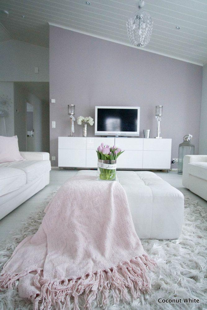 Coconut White: Pastellivärein koristeltu keväinen olohuone
