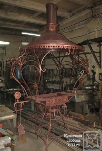 http://k-33.ru/galereya--kovanie-izdeliya-mangali-ur-11 Мангалы – это обычные кованые изделия, поэтому изготовление их в нашей мастерской не составит труда. Нас не пугает сложность или изысканность вкусов наших заказчиков. Мы воплотим в жизнь любую фантазию. Кованые изделия, а мангалы в частности, можно заказать в ТМ «Кузнечная слобода».