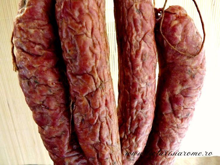 Carnati de casa din carne de porc si vita