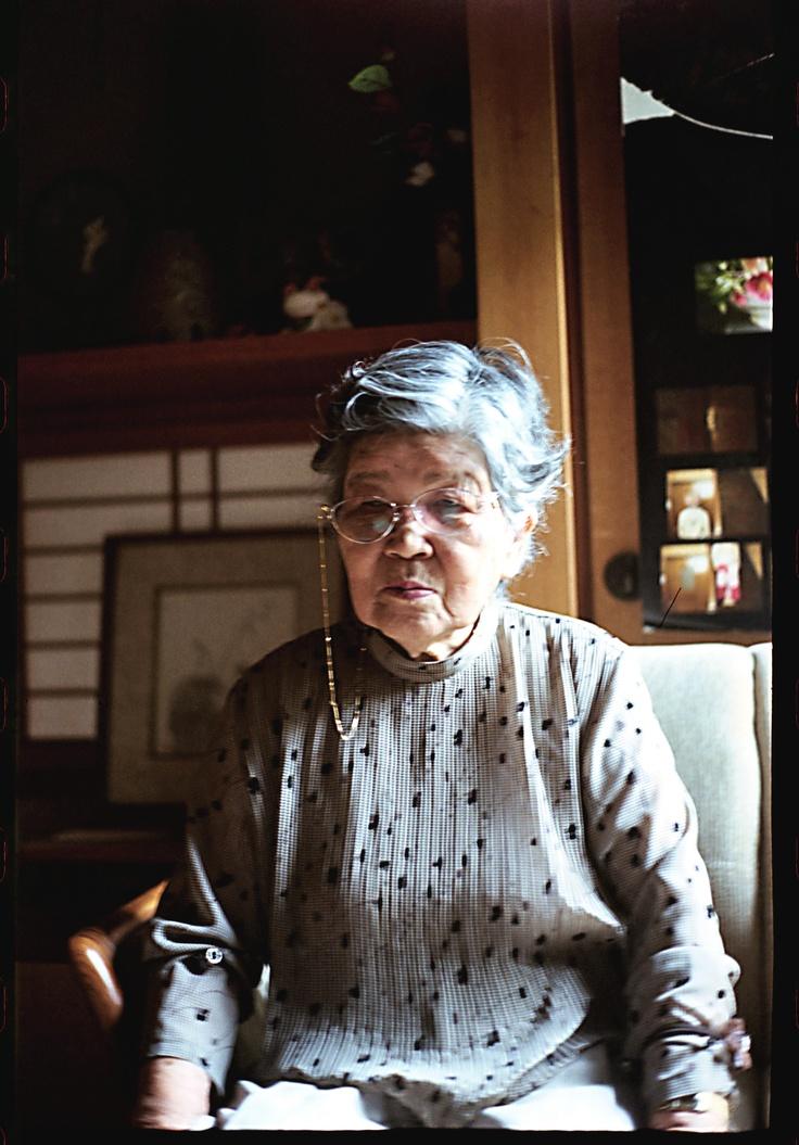 old lady / photo: ryu watanabe / 2011
