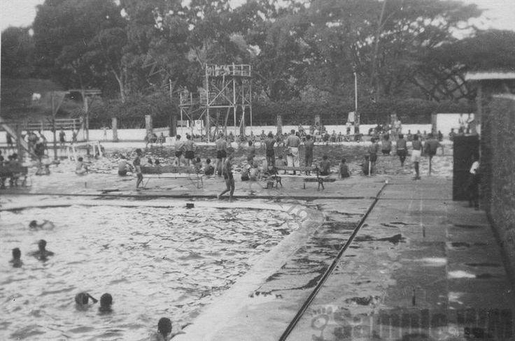 Zwembad Tjihampelas Bandoeng