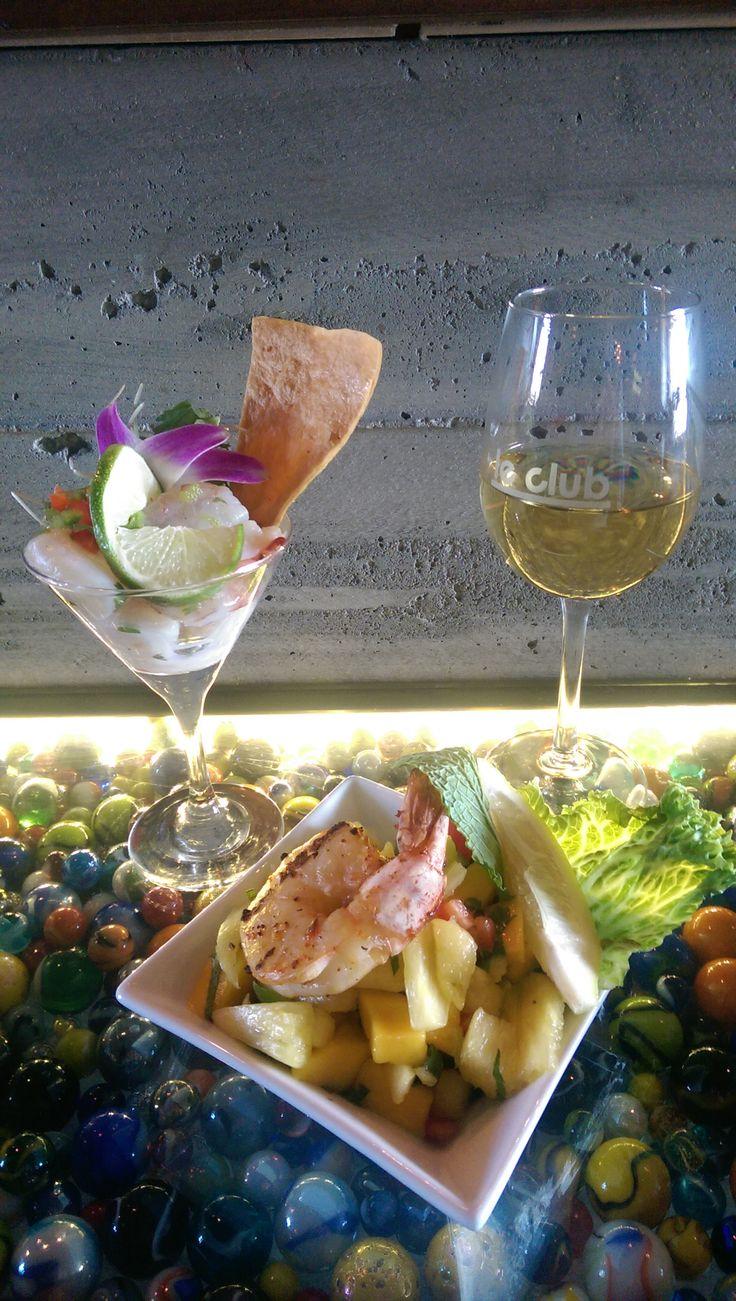 Accord mets-vin Le Bar à vin - Bistro Le Club au Quartier Dix30 #bar #vin #tapas #wine bar #cellier #Dix30 #accord #mets vins #ceviche