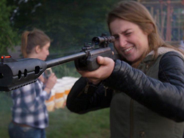 De stoere dames kunnen los met de redneck olympics. Een leuke achtkamp voor jullie vrijgezellenfeest!