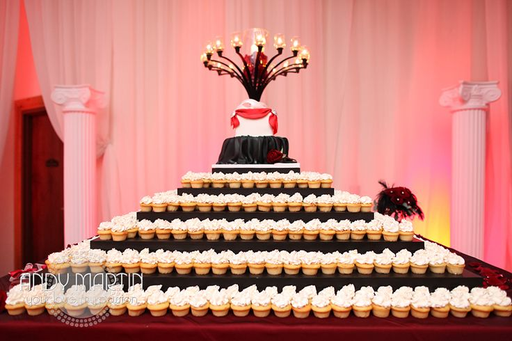 Opera Cake Decor : 11 best images about Masquerade Wedding on Pinterest ...