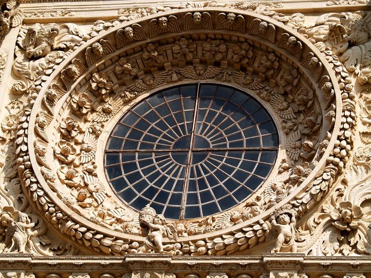 Rosone barocco di Santa Croce a Lecce  , nel Salento