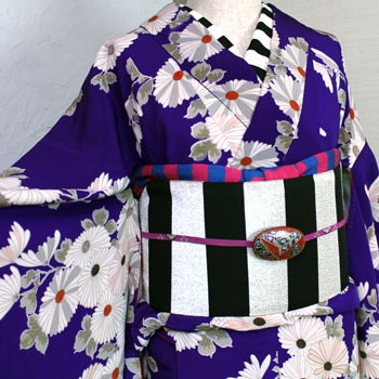 茄子色の菊の錦紗縮緬袷着物/アンティーク - ポップでガーリーな普段着物・ヘッドドレス・古道具・雑貨・アンティークやアーティスト作品の販売 『chiwachiwa ちわちわ』