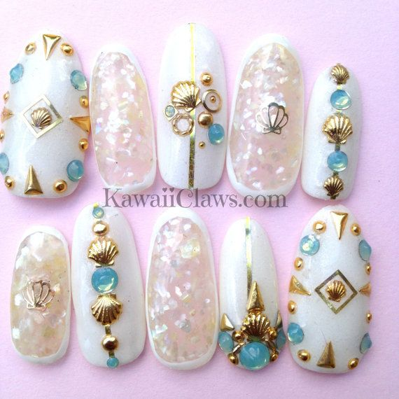 White & Gold Mermaid nails with opals and shells full false/fake 3D nails Japanese gel nail art kawaii seashells