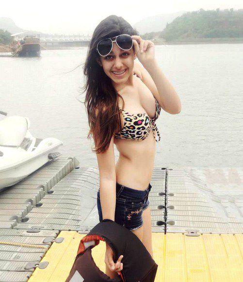 25 Instagram Photo of Aalia Ebrahim HOT | Pooja Bedi's Daughter