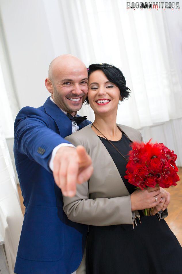Va prezint un cuplu care redefineste cuvantul 'iubire' si il ridica la cu totul alt nivel!   Bogdan Mitrica - fotograf profesionist hq image: www.mitrica.com/fotograf-nunta-craiova/sedinta-foto