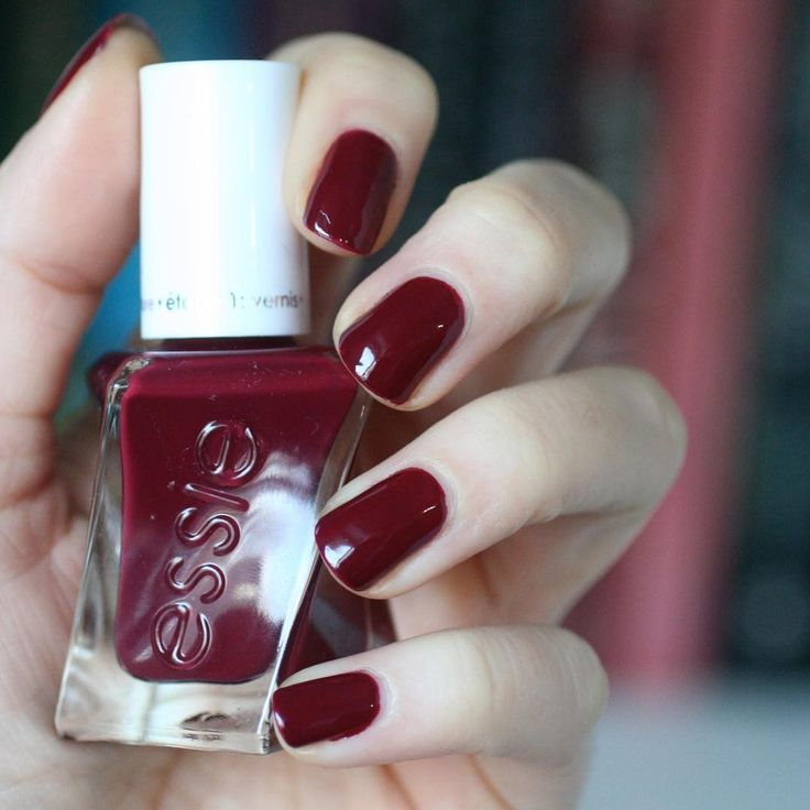 How many parties can you hit in one night? In this scene-making marooned red nail polish 'gala-vanting', you're ready to find out. Start by cleansing the nail with polish remover. No base coat needed. step 1: apply 2 coats of luxurious color in gala-vanting. allow 60 seconds to dry between coats. step 2: seal with gel couture top coat for flawless gel-like shine. no UV or LED lamps needed. Shop it here: http://www.essie.com/gel-couture/colors/Deeps/gala-vanting.aspx