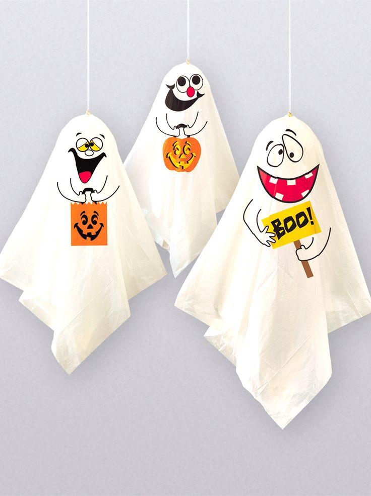 3 Decoraciones colgantes fantasmas Halloween: Estos fantasmas decorativos para colgar representan tres fantasmas y son de plástico.Podrá rellenar los fantasmas con los 3 globos que vienen incluidos, dándole así forma...