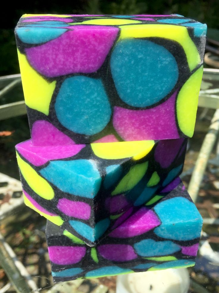Dancing funnel soap technique. I want to try this technique out sometime with two colors. I think the results are very pretty.