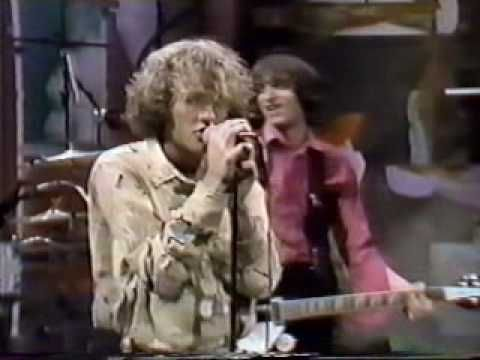R.E.M. - Radio Free Europe, 1983