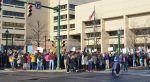Protes anti-Syariah akan diselenggarakan di Syracuse New York  NEW YORK (Arrahmah.com)  ACT For America yang telah diberi label kelompok ekstremis anti-Muslim mengatakan bahwa mereka akan menggelar March Against Sharia di Syracuse New York AS pada Sabtu mendatang lansir Syracuse.com pada Kamis (8/7/2017).  Sementara itu dua kelompok lain di Syracuse telah mengumumkan demonstrasi balasan.  ACT merencanakan demonstrasi ini di lebih dari 25 kota di seluruh negeri pada Sabtu menurut Scott…