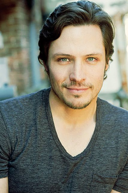 "Nick Wechsler - Jack Porter on ""Revenge"""