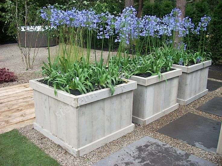Nice natural look, completely integrated into the garden.